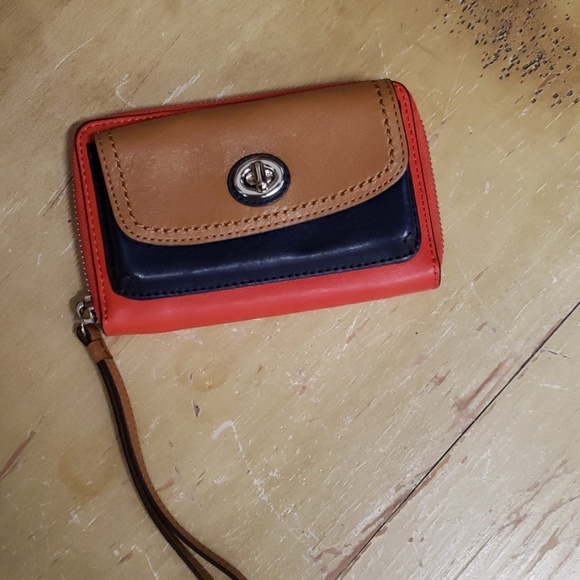 Coach Handbags - COACH WALLET.  Never used. 6x4 inches